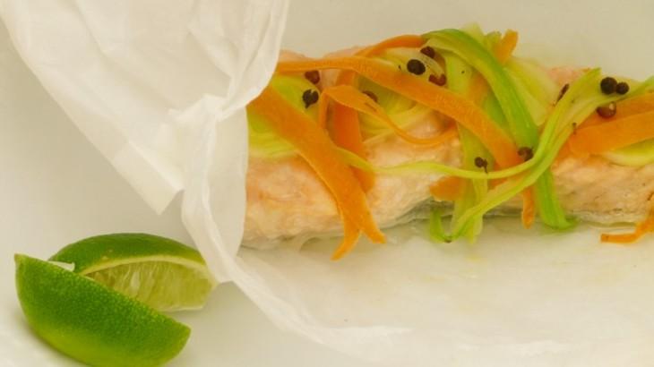 Salmón en papillotte