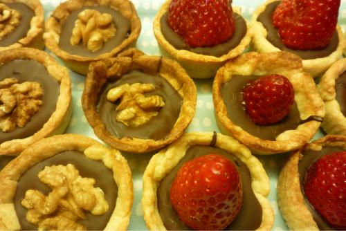 Tartaletas de fresa y de nuez